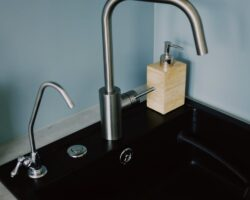 Kitchen Faucet (without pullout)